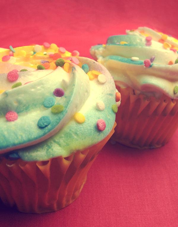 cakes, muffins, pastries, cream, powder