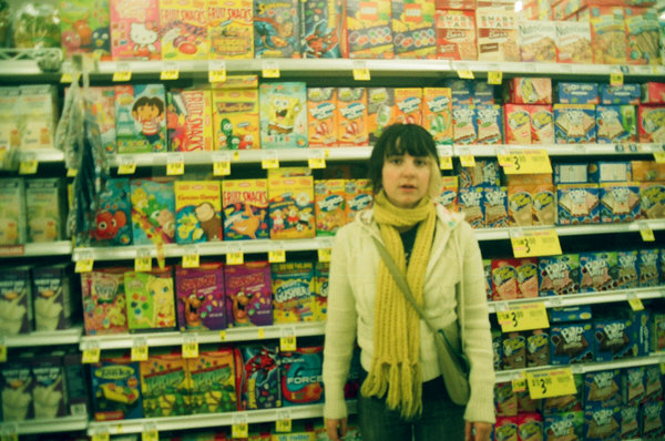 girl, supermarket, snacks, chips, nuts