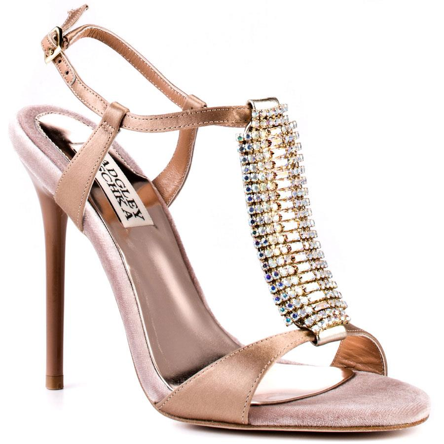 Nice women shoes Shoes for men online