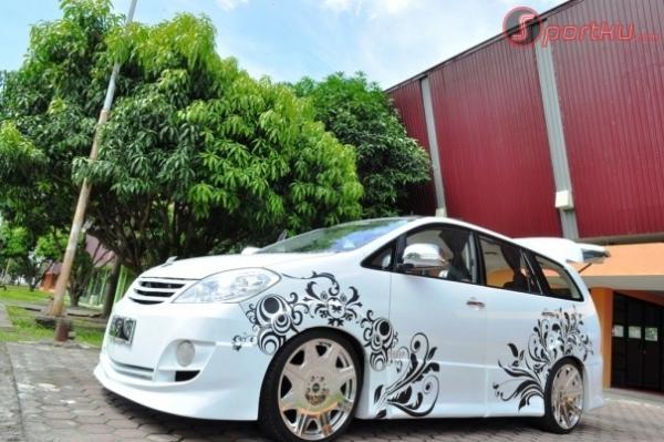 Toyota Innova Car Cars Designs Airbrush Fav Images
