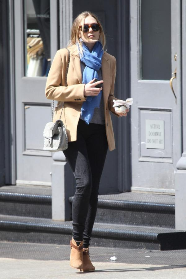 2013 elizabeth olsen jeans outfit street style shoes