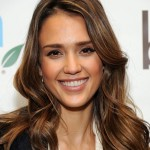 2013 Jessica Alba, hairstyle, makeup, smile