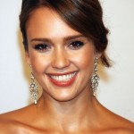 2013 Jessica Alba, hairstyle, makeup, smile, earrings