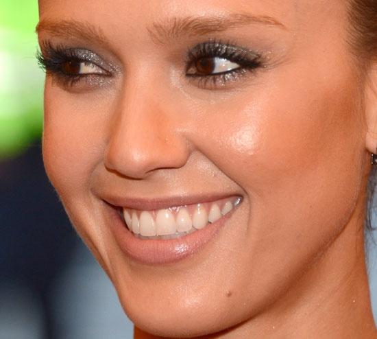Jessica Alba showcases her flawless skin in new beauty