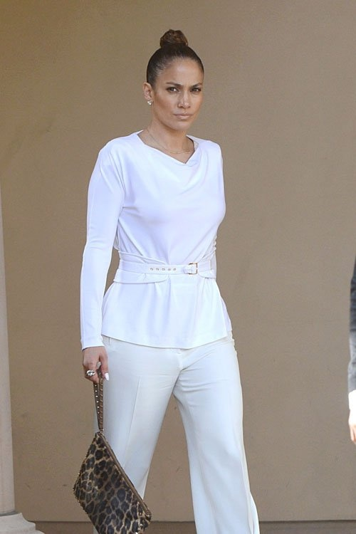 pics, 2013 Jennifer Lopez, celebrity, white clothes, pants