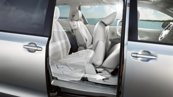 2014 toyota sienna usa car cabin sliding seats. Black Bedroom Furniture Sets. Home Design Ideas