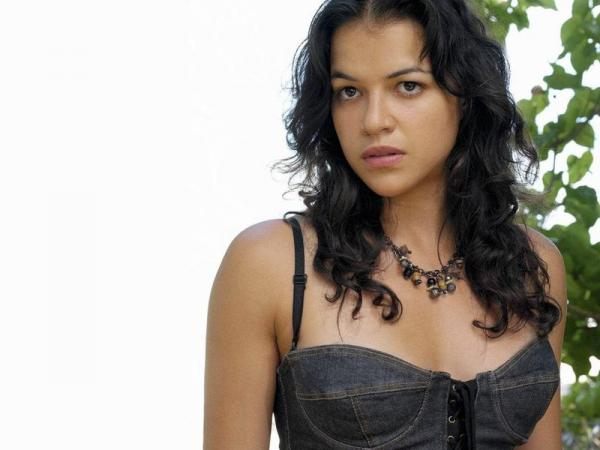 Michelle Rodriguez in the movie Womens fight