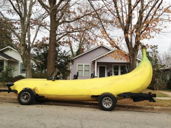Funny pictures and images, fun, car, banana
