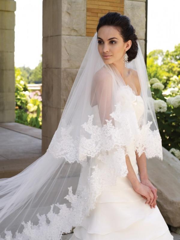 Фото свадебные платье с длинной фатой