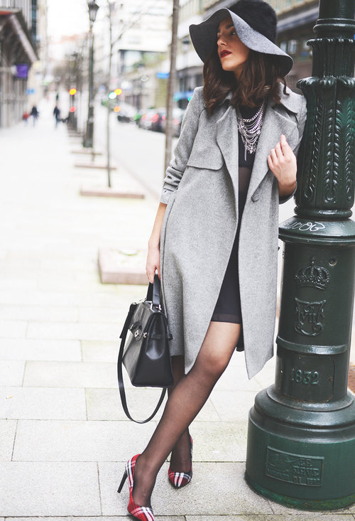 Fashionable street style, outfits, trendy hat, girl