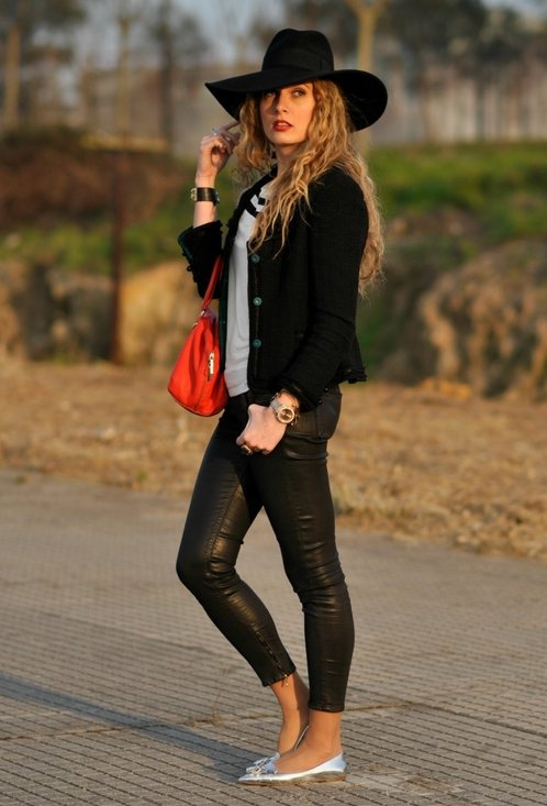 Fashionable street style, outfits, trendy hat, lady, photo