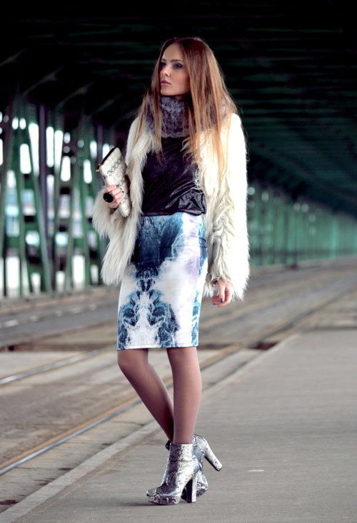 Model, fashion, street style, pencil skirt, woman, pics