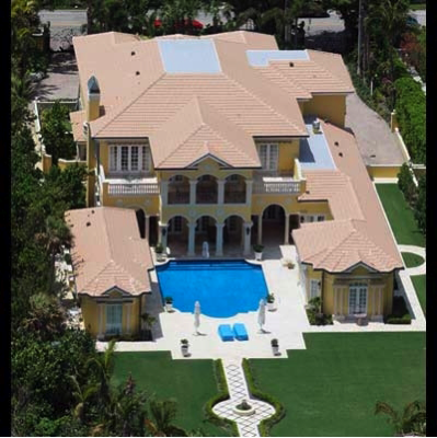 photo: house/residence of hot beautiful cute  45 million earning Stratford Circle, Los Angeles, CA-resident