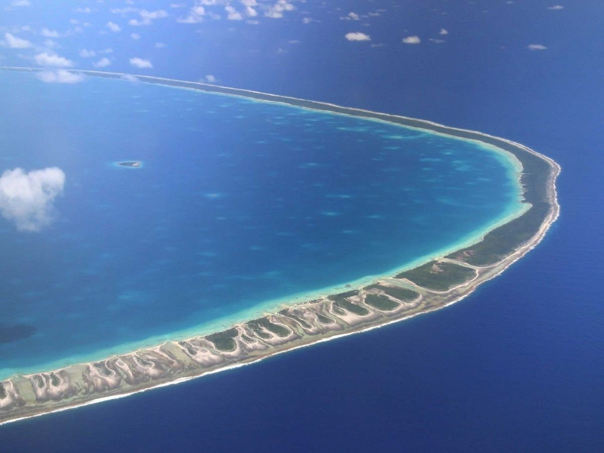 Rangiroa, ring-shaped atoll in French Polynesia