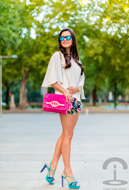 Amazing pink bag for pretty girl