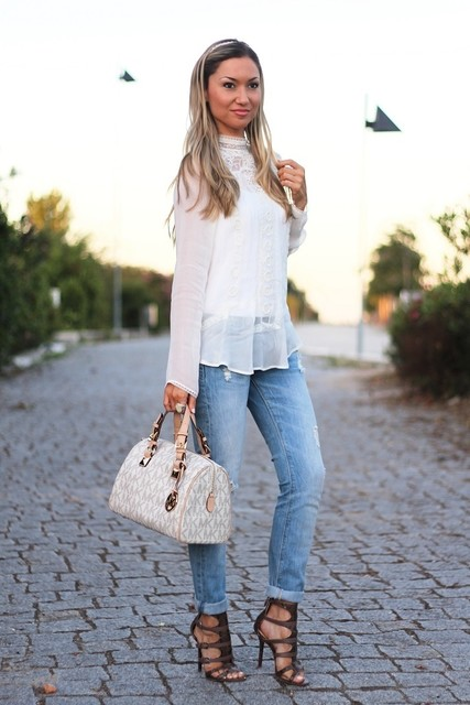 Amazing white bag for lady