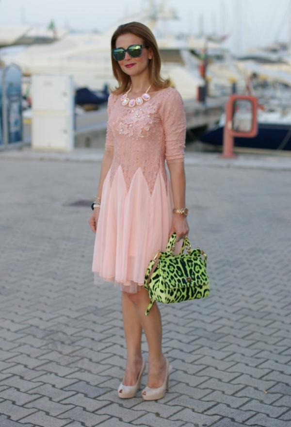 Beautiful green bag for pretty woman
