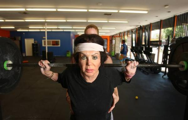 Stallones mother training, image