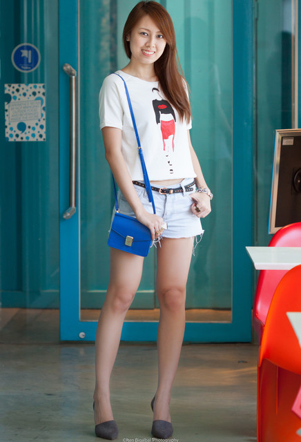 Stylish and trendy blue bag for girls