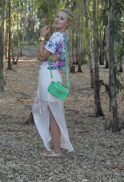 Stylish green bag for girls
