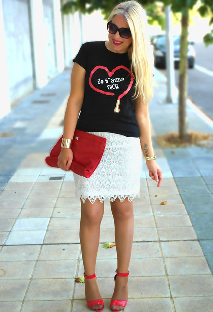 Stylish red bag for lady