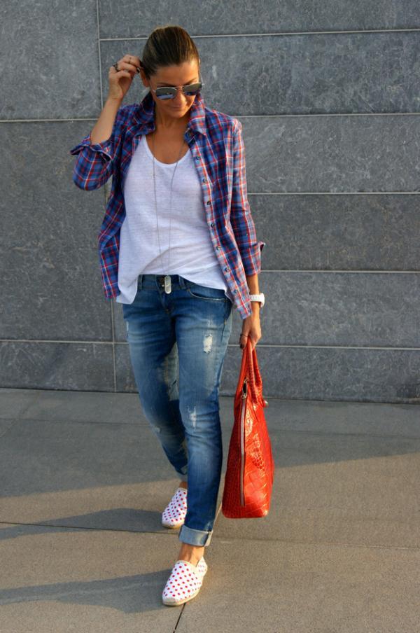 Trendy and stylish orange bag for girls