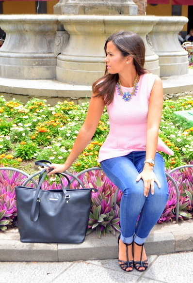 Trendy pink shirt for lady