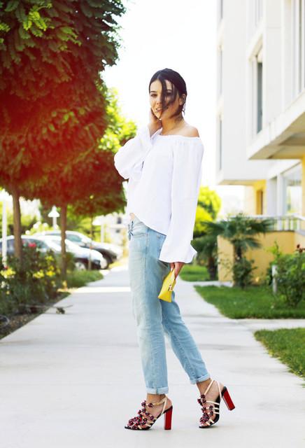 Trendy yellow bag for girls