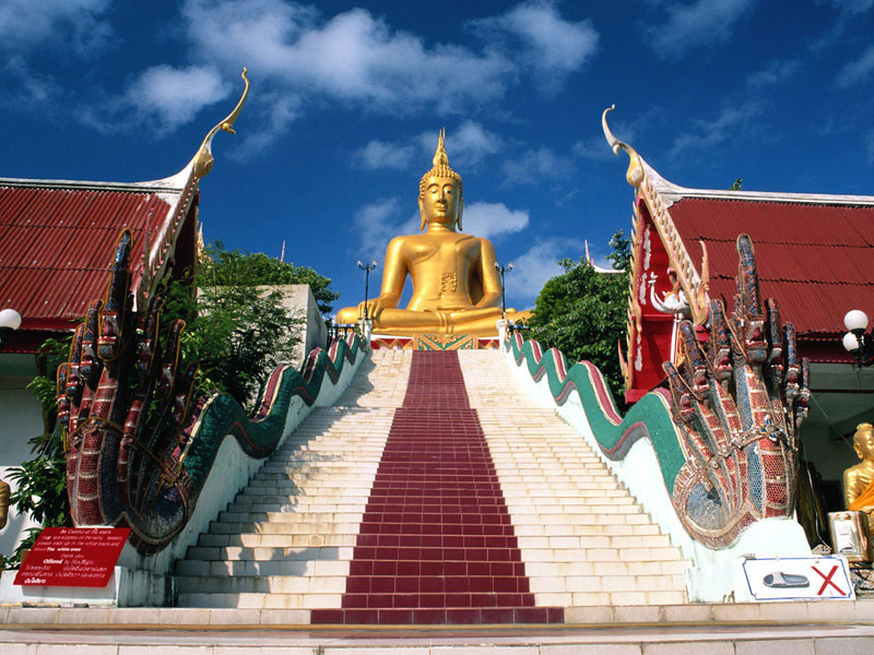 Big Buddha Temple and Wat Plai Laem 1