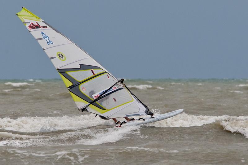 Surfing in Pattaya waves