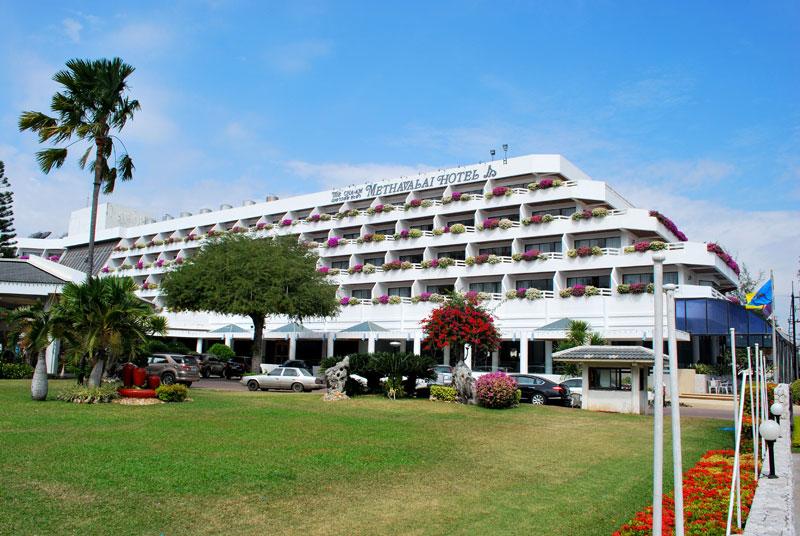 Thai resort of Cha-Am 2