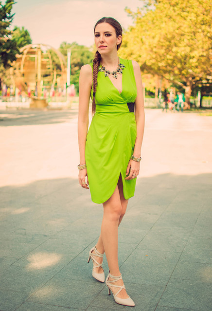 Fashionable green female dresses 1