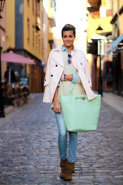 Stylish green female bags 1