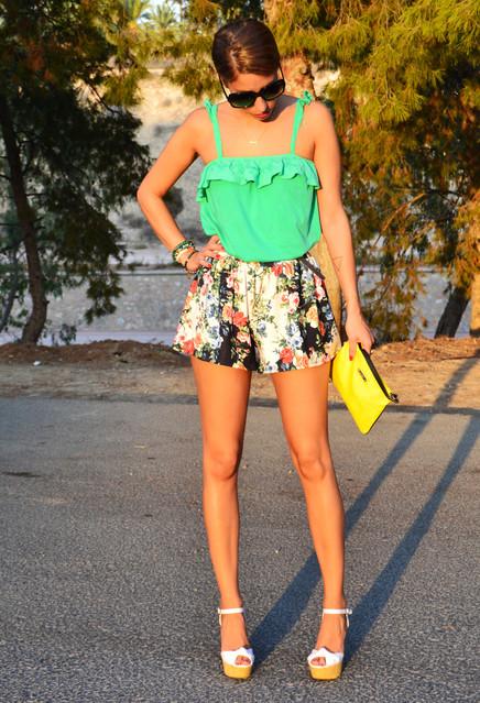 Stylish green female blouses 1