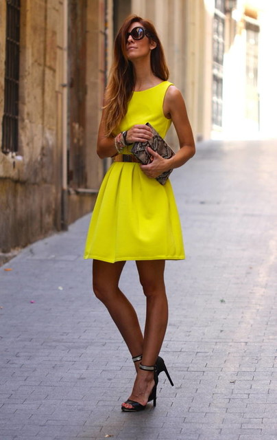 Trendy yellow dresses 1