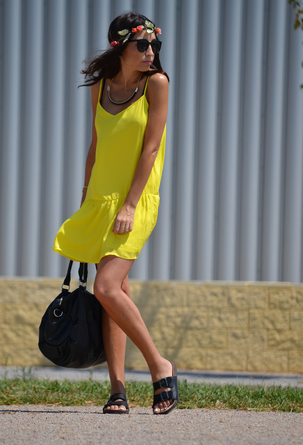 Trendy yellow dresses 4