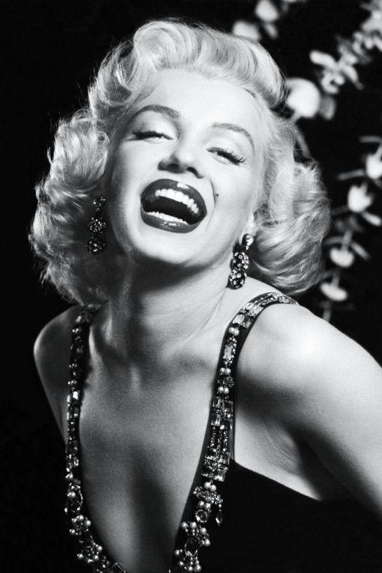 Monroe фото